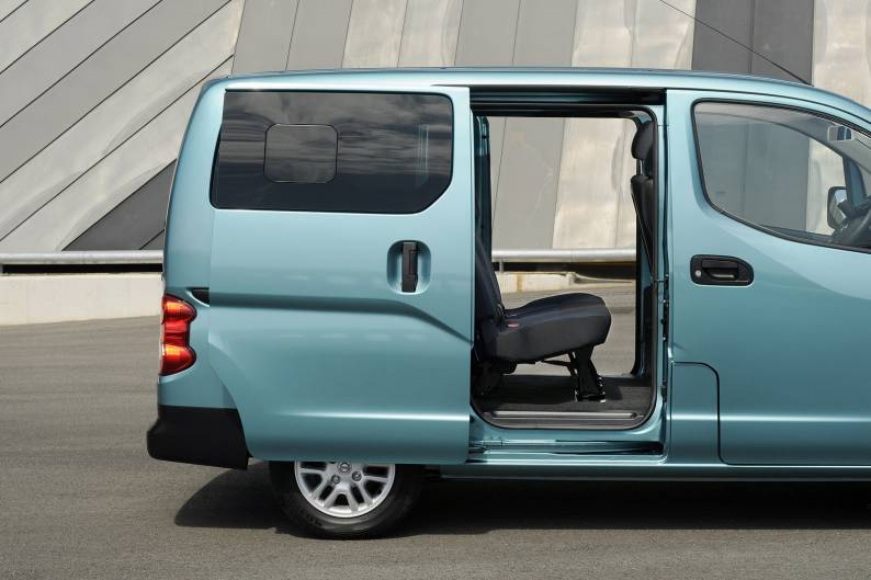 nissan nv200 combi van review