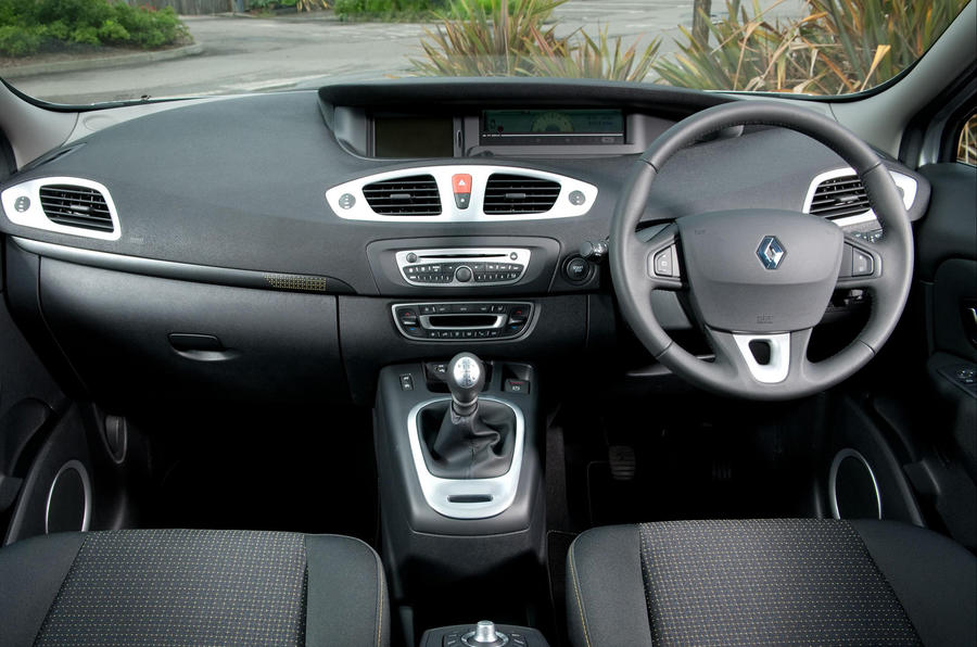 renault megane 1.6 2009 review