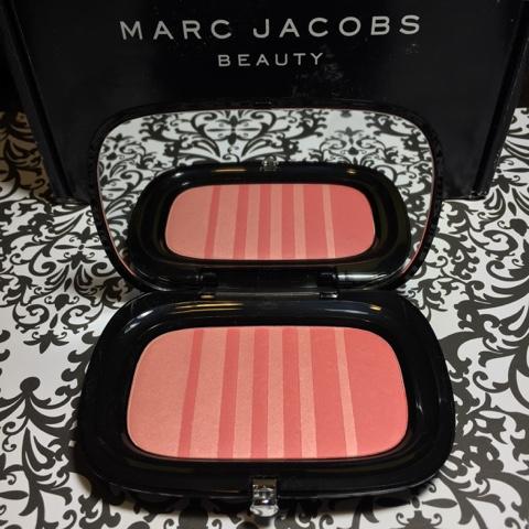 marc jacobs air blush review